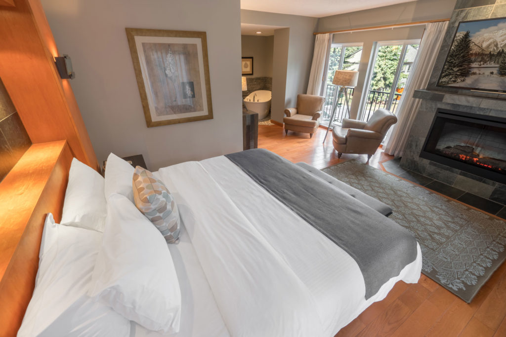 Surprising King Suite 221 Banff Inn Download Free Architecture Designs Scobabritishbridgeorg